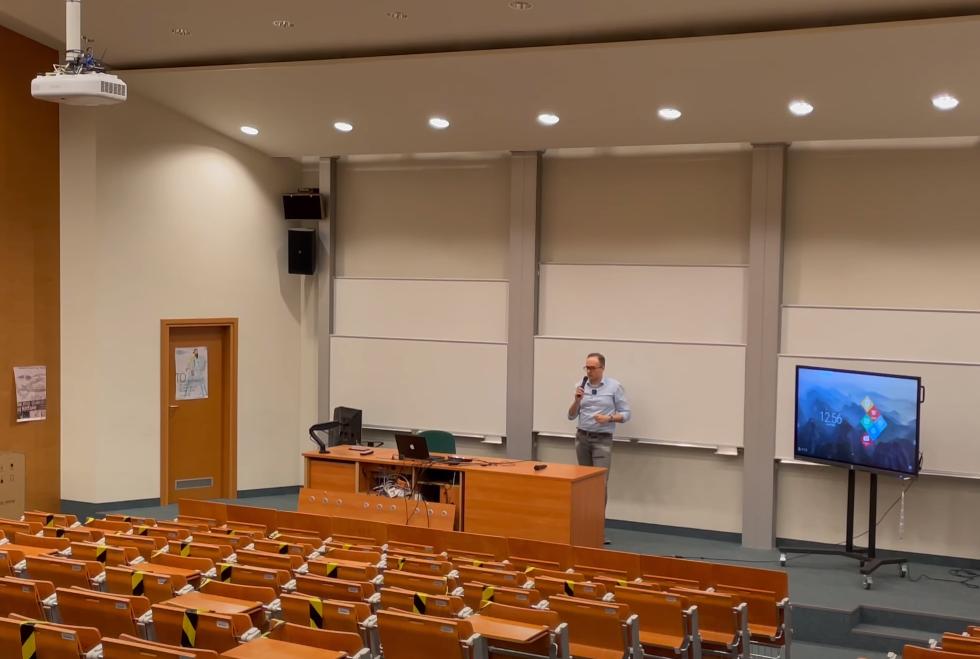 System streamingu wykładów do nauczania hybrydowego 2